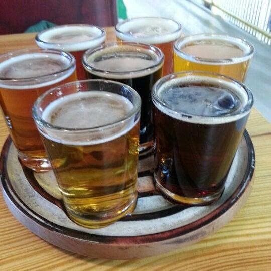 2/6/2013 tarihinde Shea B.ziyaretçi tarafından Oskar Blues Brewery'de çekilen fotoğraf