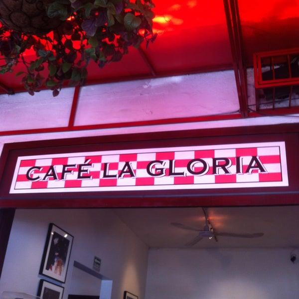 Foto tirada no(a) Café La Gloria por Carlos C. em 5/1/2013