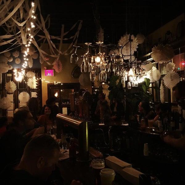 Foto tomada en RaR Bar por RaR B. el 2/19/2016