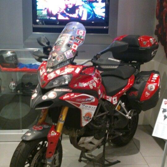 7/6/2013 tarihinde Mohsin A.ziyaretçi tarafından Ducati Motor Factory & Museum'de çekilen fotoğraf