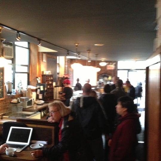 Foto tomada en Indian Road Café por Phil M. el 10/30/2012
