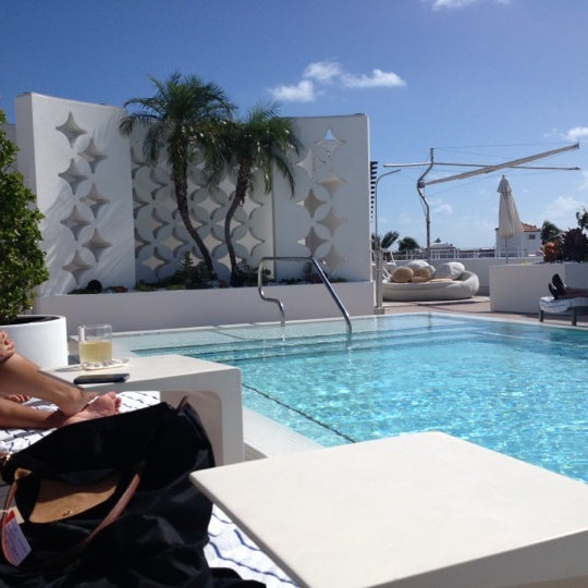 11/12/2012にSuzanne H.がHighbar - Pool·Bar·Skyで撮った写真