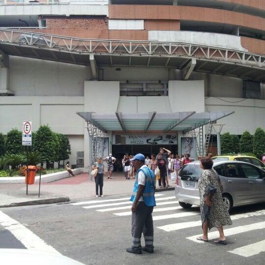 1/7/2013 tarihinde Mauro A.ziyaretçi tarafından Shopping Tijuca'de çekilen fotoğraf