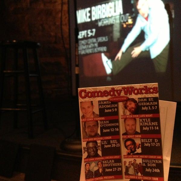 7/14/2013 tarihinde Adamziyaretçi tarafından Comedy Works Downtown in Larimer Square'de çekilen fotoğraf