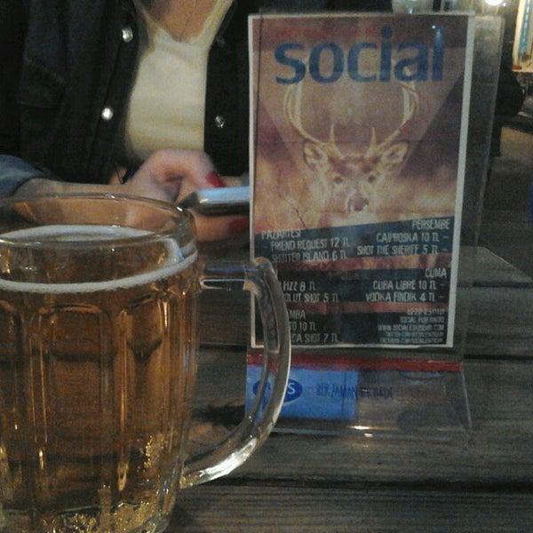 3/20/2013 tarihinde özge T.ziyaretçi tarafından Social Pub'de çekilen fotoğraf