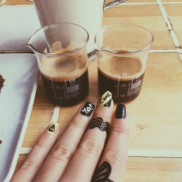 Снимок сделан в Walter's Coffee Roastery пользователем Burcu U. 10/28/2015