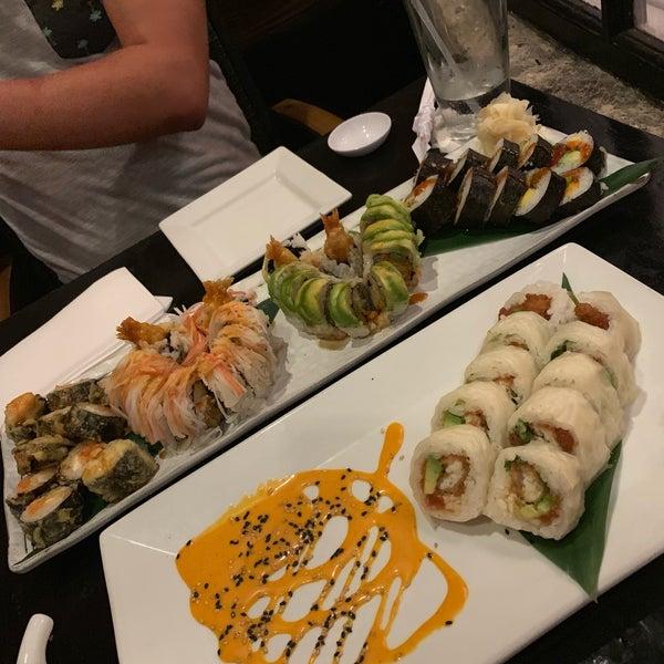 Das Foto wurde bei Red Koi Thai & Sushi Lounge von Amaury am 7/4/2019 aufgenommen