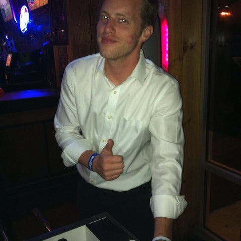 Foto scattata a OT Tavern da Tim W. il 11/6/2012
