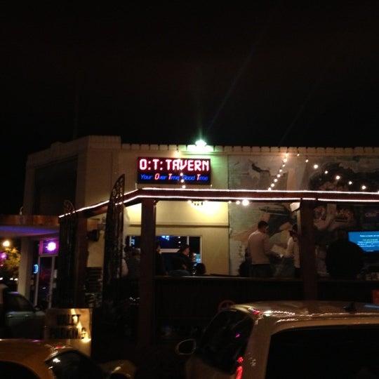 Foto scattata a OT Tavern da Tim W. il 11/1/2012