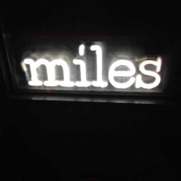 Foto tirada no(a) Miles por Gregg M. em 1/5/2014