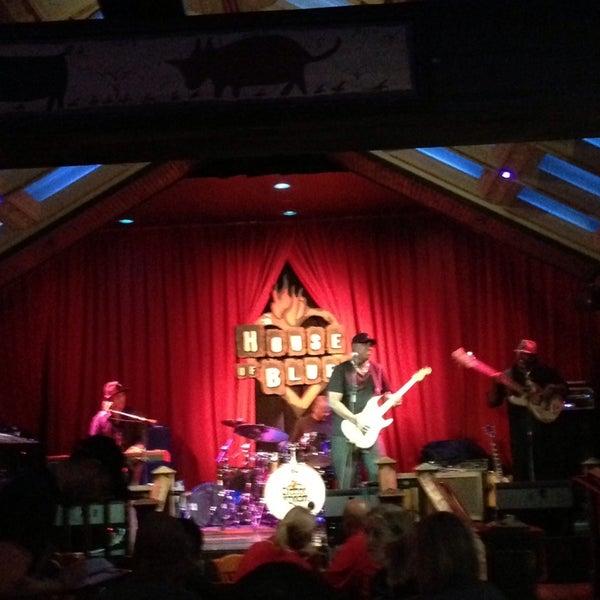 Foto diambil di House of Blues oleh Iván V. pada 7/27/2013