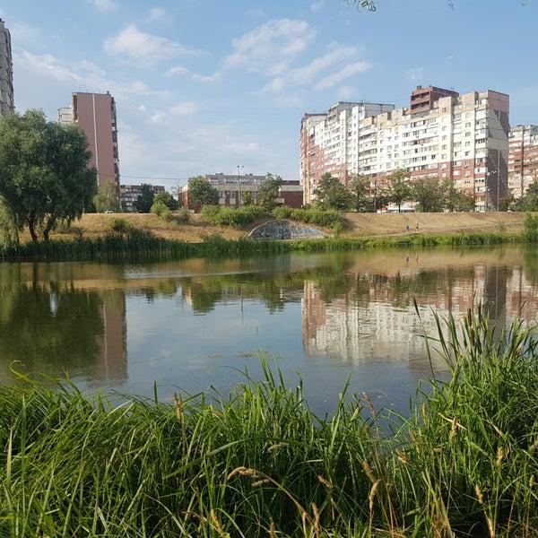 รูปภาพถ่ายที่ Троєщинський канал โดย Gennadii P. เมื่อ 6/29/2018