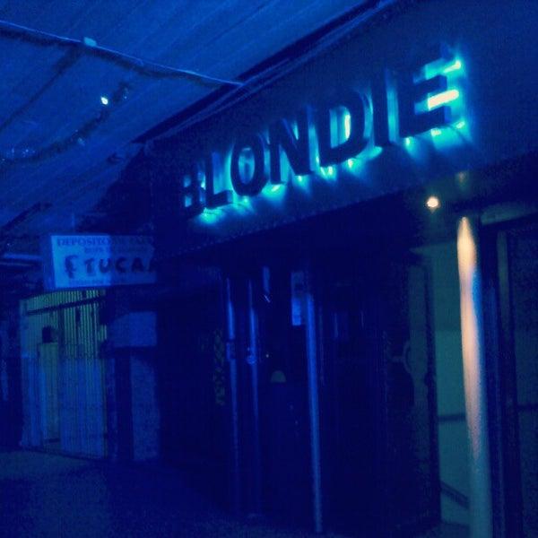 รูปภาพถ่ายที่ BLONDIE โดย zukoe s. เมื่อ 12/15/2012