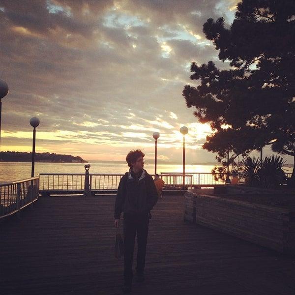 Das Foto wurde bei Waterfront Park von Susanna J. am 9/28/2013 aufgenommen