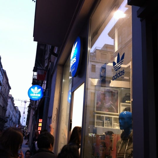 industria esso Grazia  adidas Originals Store Torino Lagrange - Centro - 0 tips