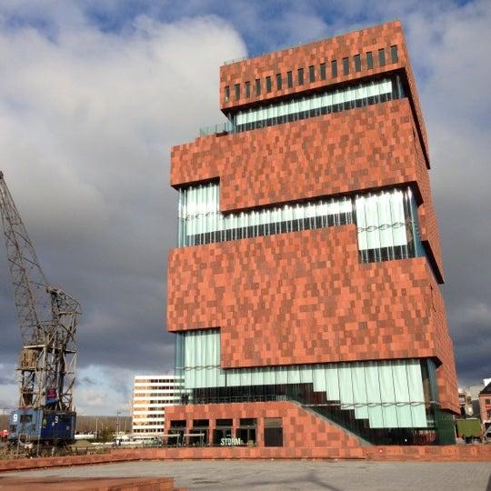 Foto tirada no(a) MAS | Museum aan de Stroom por Louis v. em 10/27/2012