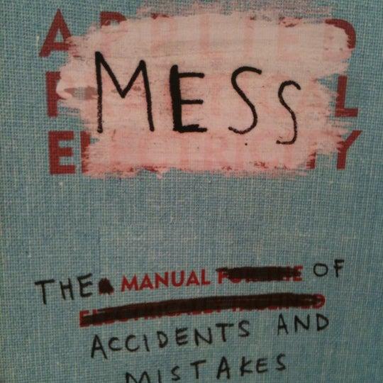 Foto tirada no(a) The American Book Center por Pieter T. em 10/21/2012