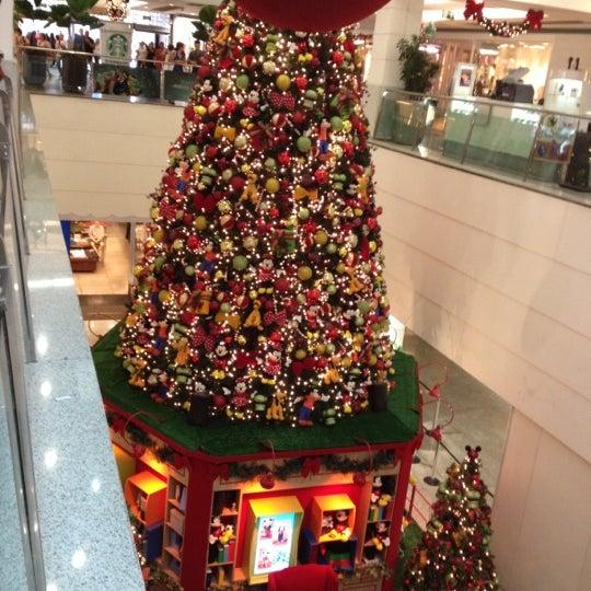 11/9/2012 tarihinde Márcia P.ziyaretçi tarafından Shopping Tijuca'de çekilen fotoğraf