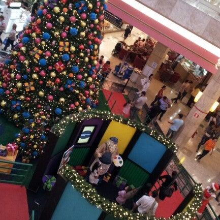 12/15/2012 tarihinde Edison S.ziyaretçi tarafından Shopping Center Penha'de çekilen fotoğraf