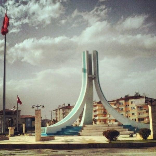 5/11/2013 tarihinde TRKN S.ziyaretçi tarafından Albayrak Meydanı'de çekilen fotoğraf
