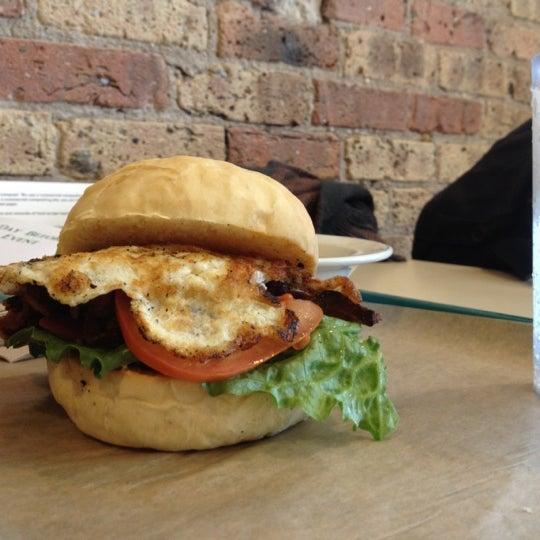 Foto tirada no(a) Sandwich Me In por Julian C. em 3/22/2013