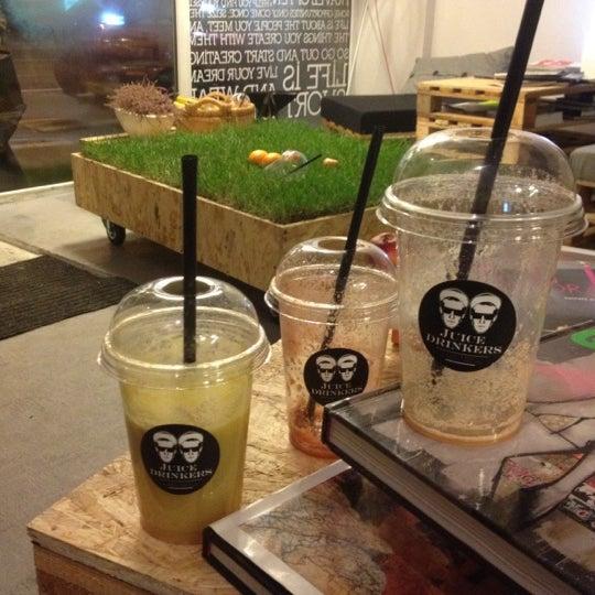 11/12/2012에 Karola M.님이 Juice Drinkers에서 찍은 사진
