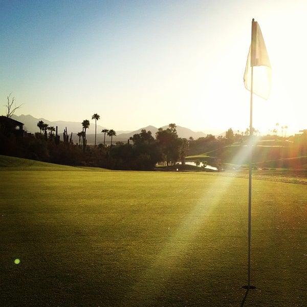 Das Foto wurde bei Desert Canyon Golf Club von corey b. am 10/14/2013 aufgenommen