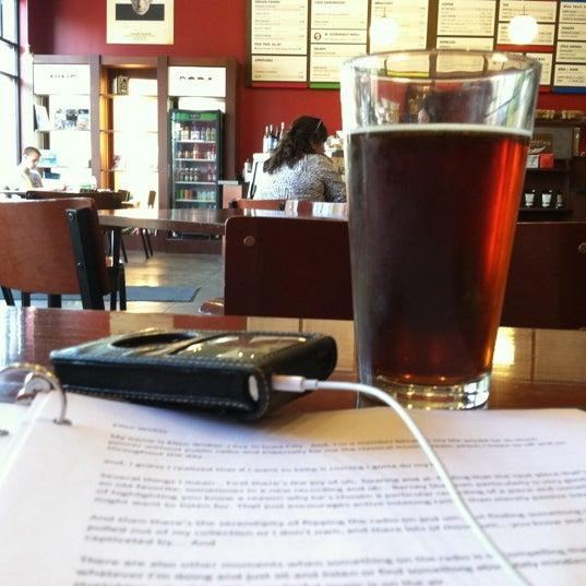 Foto tomada en Mars Cafe por John P. el 5/4/2012