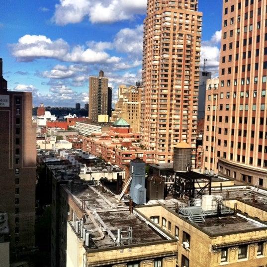 10/17/2011에 Ari M.님이 Novotel New York Times Square에서 찍은 사진