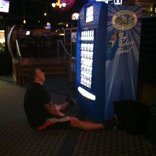 3/27/2012에 Amy M.님이 Two Stooges Sports Bar & Grill에서 찍은 사진