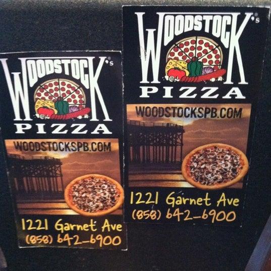 Foto diambil di Woodstock's Pizza oleh Ron P. pada 4/28/2012