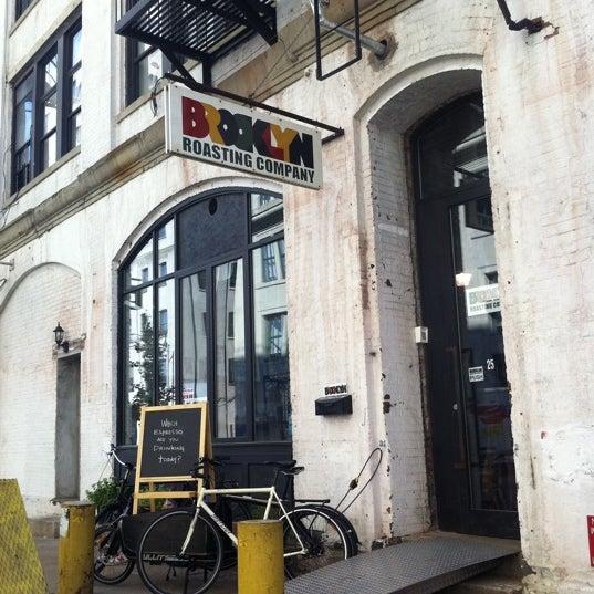 Das Foto wurde bei Brooklyn Roasting Company von Tony G. am 8/31/2011 aufgenommen