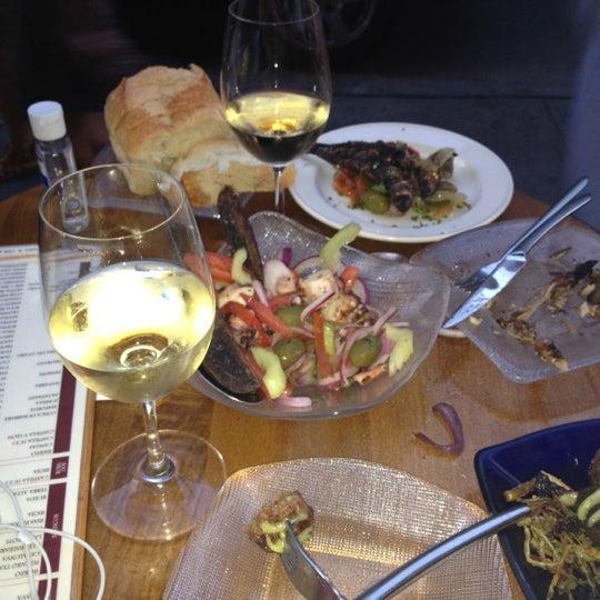 รูปภาพถ่ายที่ Las Ramblas Bar de Tapas โดย Lauren P. เมื่อ 7/12/2012