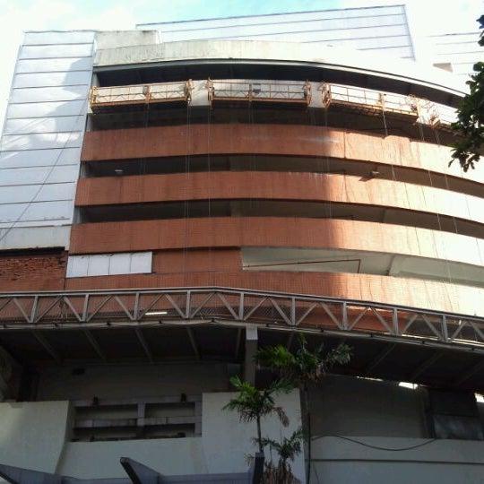 12/31/2011 tarihinde Pablo Q.ziyaretçi tarafından Shopping Tijuca'de çekilen fotoğraf