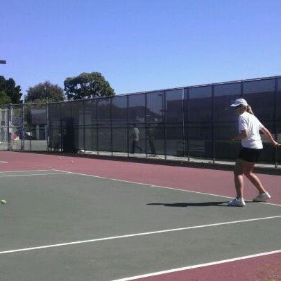 Теннисные корты в крокус сити фото