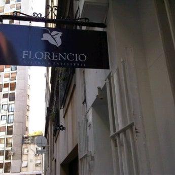 Foto tirada no(a) Florencio Bistro & Patisserie por Tomás M. em 5/30/2012