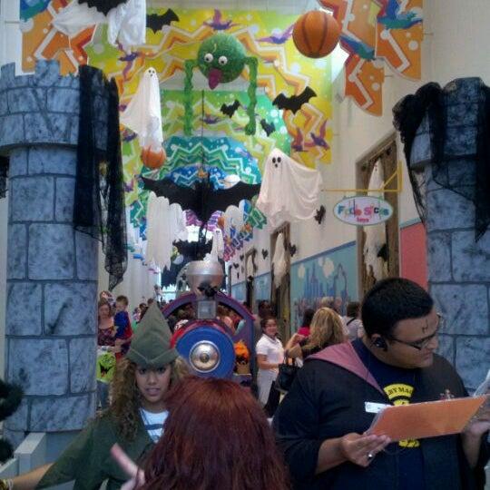 Photo prise au Children's Museum of Houston par Kirbie S. le10/27/2011