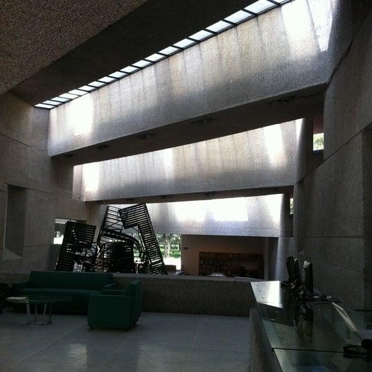 Foto diambil di Museo Tamayo oleh Polina S. pada 9/27/2011
