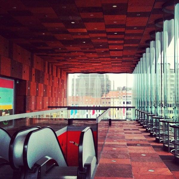 Foto tirada no(a) MAS | Museum aan de Stroom por Anton Z. em 5/5/2012