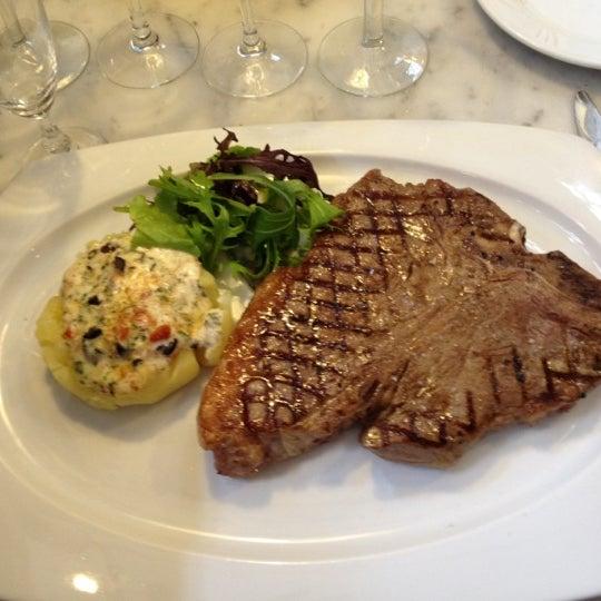 Photo prise au Restaurant de l'Ogenblik par Philip G. le4/19/2012