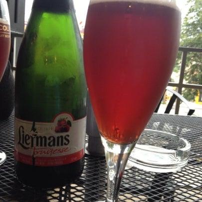 Foto tomada en The Beer Box por Pau V. el 7/25/2012
