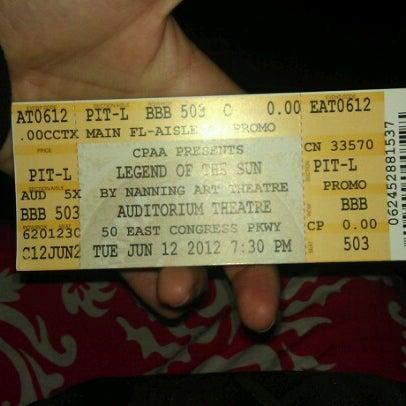 6/13/2012 tarihinde Samantha D.ziyaretçi tarafından Auditorium Theatre'de çekilen fotoğraf