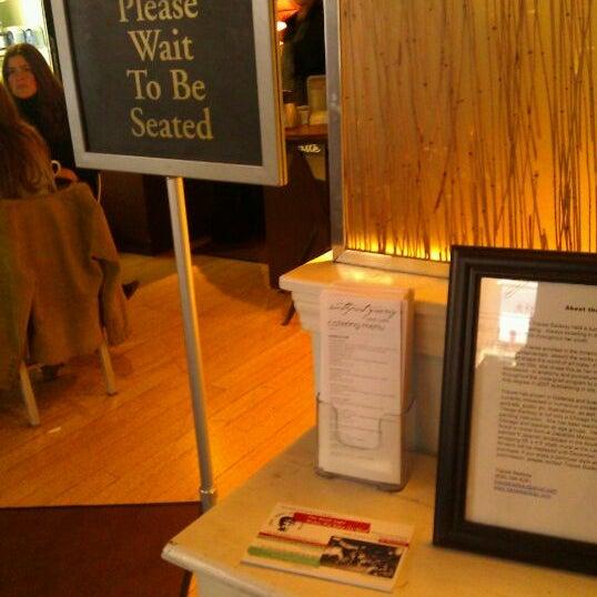 Снимок сделан в Southport Grocery & Cafe пользователем katie m. 2/4/2012