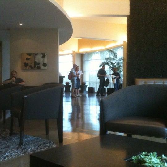 Foto scattata a Hotel Angeleno da William W. il 9/11/2011