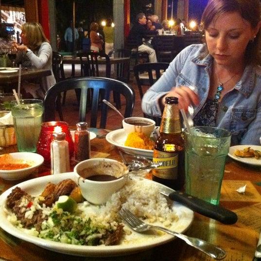 Foto diambil di El Meson de Pepe Restaurant & Bar oleh Michael A. pada 10/21/2011