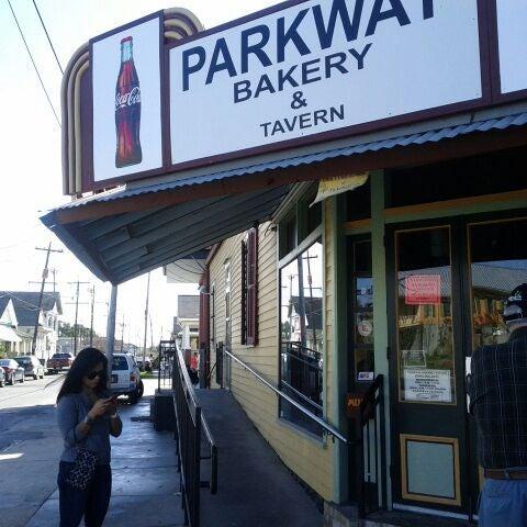 12/30/2011にRichard B.がParkway Bakery & Tavernで撮った写真