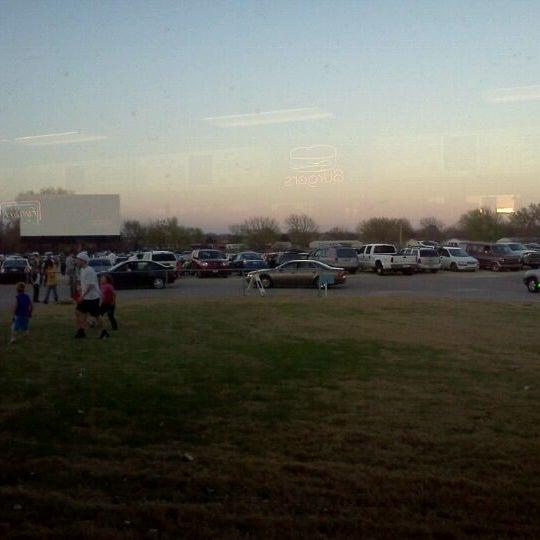 Foto tomada en Starlite Drive-In Theatre por Blue R. el 4/5/2011