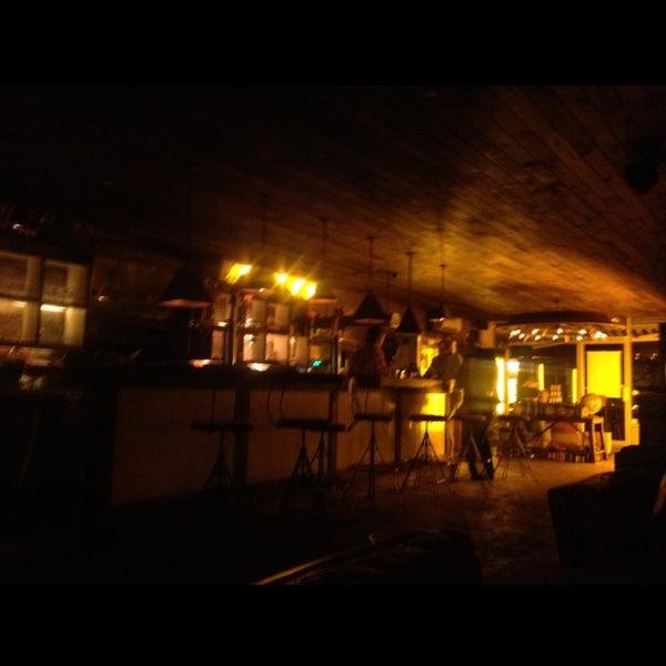Foto scattata a Alphabet City Beer Co. da Bitsy M. il 9/11/2012