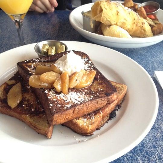 Снимок сделан в Silk City Diner Bar & Lounge пользователем Brittany 4/28/2012