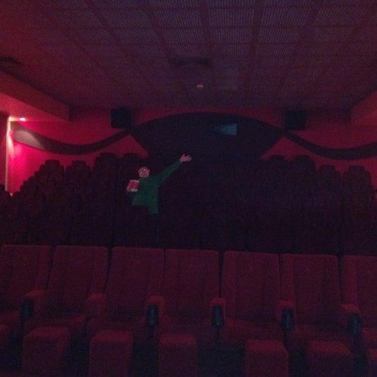 Foto tomada en Spectrum Cineplex por Sibel A. el 2/26/2012